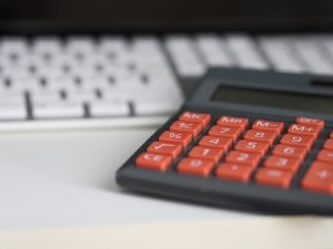 calculate real estate investor salary